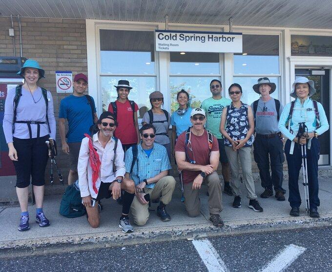 Group photo of New York hiking club meetup